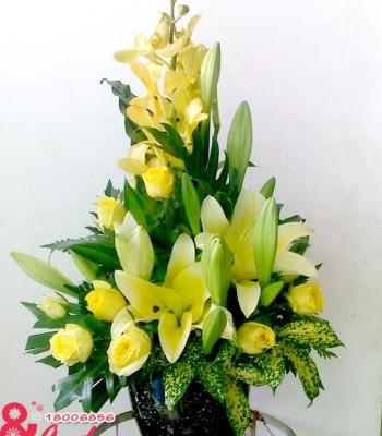 Bình hoa để bàn – tươi sáng