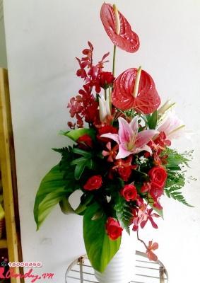 Bình hoa văn phòng- sắc đỏ