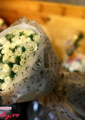 Bó hồng trắng đẹp