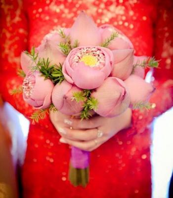 Bó hoa cưới : Sắc màu cuộc sống