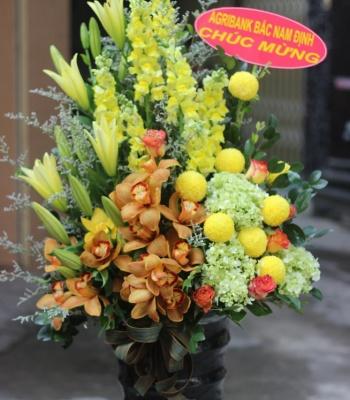 Hộp hoa chúc mừng – sang trọng