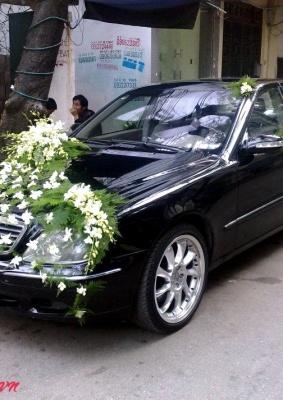 Hoa cưới trang trí xe: 93543