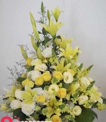 Hộp hoa chúc mừng đặt bàn