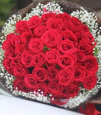 Bó hồng tình yêu.