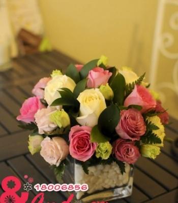 Hoa hồng để bàn