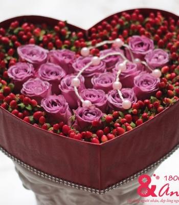 Hộp hoa hồng tím